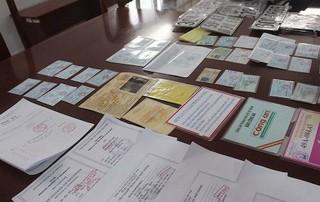 Bắt nhóm làm giả giấy tờ để lừa đảo