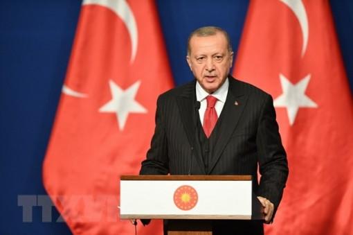 """Tổng thống Thổ Nhĩ Kỳ kêu gọi người dân """"tẩy chay"""" đồng USD"""