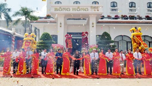 Khánh thành khách sạn Bông Hồng