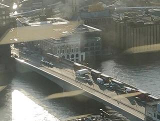 Anh gọi vụ tấn công trên cầu London là khủng bố