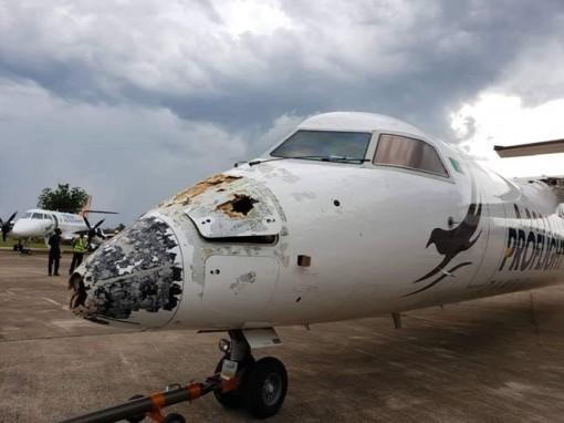 """Mưa đá """"tấn công"""" máy bay, 41 người thoát chết thần kỳ"""
