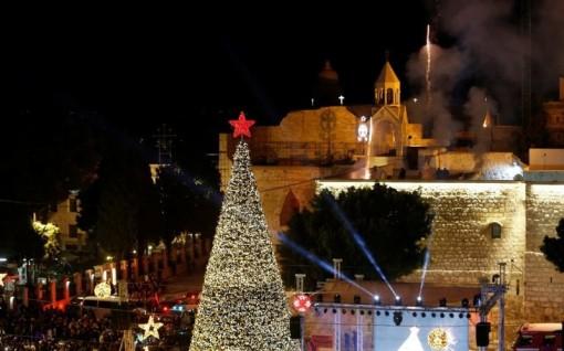 Thắp sáng cây thông ở Bethlehem, chính thức bắt đầu mùa Giáng sinh