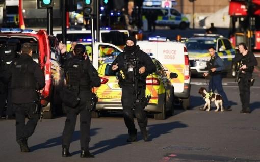 IS tuyên bố thực hiện vụ tấn công bằng dao trên cầu London