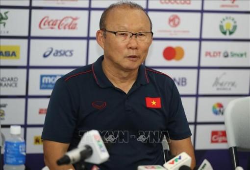 HLV Park Hang-seo thừa nhận 'một ngày quá khó khăn' với U22 Việt Nam