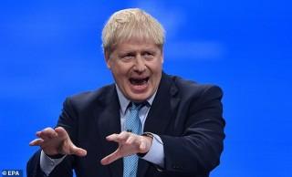 """Thủ tướng Anh Johnson tạo """"cú hích"""" với cử tri trước tổng tuyển cử"""
