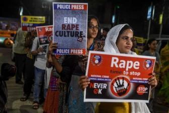 Cảnh sát Ấn Độ bắn chết 4 kẻ hiếp dâm thiêu sống nữ bác sĩ