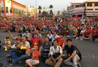 Tổ chức truyền hình trực tiếp trận chung kết giữa U22 Việt Nam – U22 Indonesia, tại Công trường Trưng Nữ Vương
