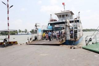 Từ 18 giờ, ngày 11- 12 tạm dừng hoạt động bến chính phà Châu Giang