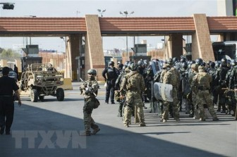 Lầu Năm Góc điều tra việc điều quân đội chặn người nhập cư trái phép