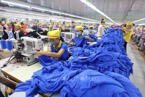 Xuất khẩu dệt may đối mặt nhiều thách thức