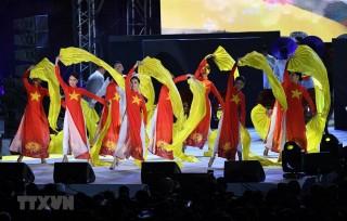 SEA Games 30: Những sự kiện đáng nhớ trên đường đua, trên bục danh dự