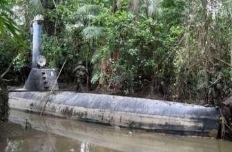 Peru bắt giữ tàu bán ngầm tự chế chở gần 2 tấn cocain