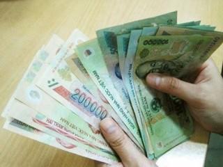 Từ 2021, lương của chồng có thể được chuyển thẳng vào tài khoản vợ