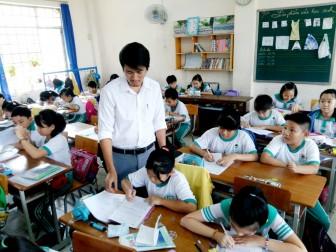 Học sinh bắt đầu thi học kỳ I