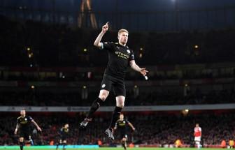 Manchester City vùi dập Arsenal, M.U thoát thua trên sân nhà
