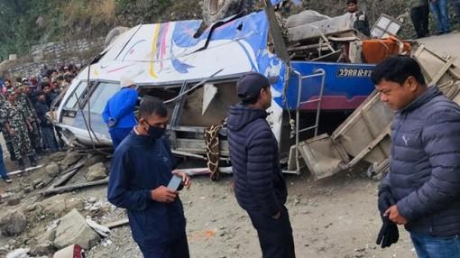 Xe chở người hành hương gặp nạn, ít nhất 32 người thương vong