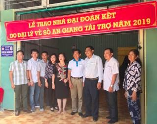 An Phú: Trao 80 căn nhà Đại đoàn kết cho hộ nghèo
