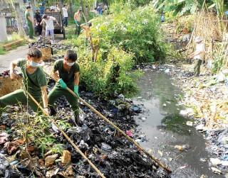 """Ô nhiễm môi trường - vấn đề """"nóng"""" của xã hội"""