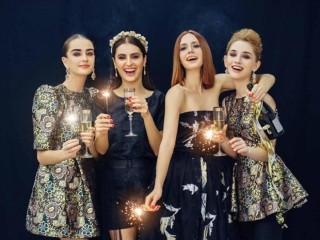 3 món đồ thời trang nâng tầm phong cách cho trang phục Giáng sinh