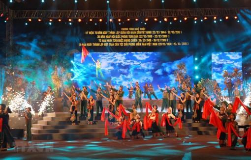 Chương trình nghệ thuật 'Sáng mãi truyền thống Bộ đội Cụ Hồ'