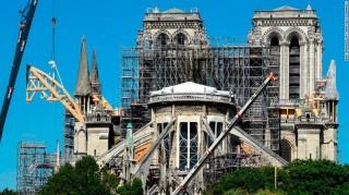Sau hơn 200 năm, nhà thờ Đức Bà Paris không tổ chức Giáng sinh