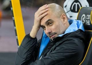 """Pep Guardiola cay đắng: """"Không thể đuổi kịp Liverpool"""""""