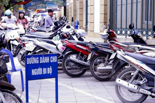 Hà Nội phát hiện, xử lý nhiều bãi xe vi phạm trong dịp Tết Dương lịch