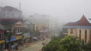 """""""Săn mây"""" ở thị trấn sương mù Sa Pa"""