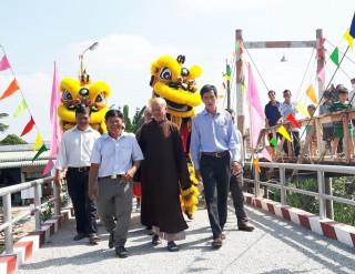 Khánh thành 2 cây cầu nông thôn