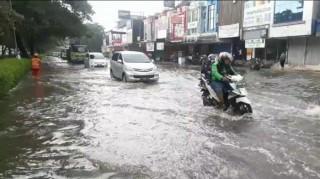 Lụt lội làm 43 người thiệt mạng ở Indonesia, 397.000 người sơ tán