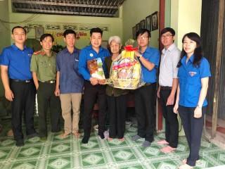 Tuổi trẻ Đoàn Khối Cơ quan và Doanh nghiệp tỉnh mang Tết đến với người nghèo
