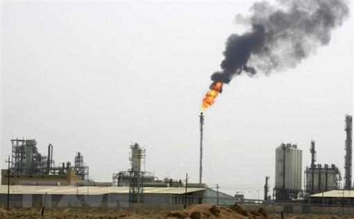 Giá dầu Brent tiếp tục áp sát mốc 71 USD mỗi thùng
