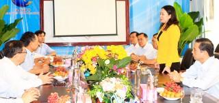 Bí thư Tỉnh ủy Võ Thị Ánh Xuân thăm, chúc Tết các đơn vị trên địa bàn TP. Long Xuyên