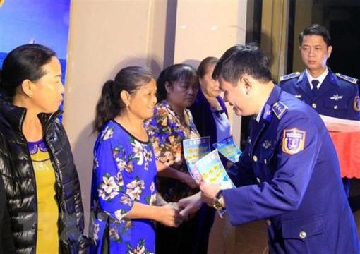 Bộ Tư lệnh Vùng Cảnh sát biển 1 chúc Tết ở đảo Bạch Long Vĩ