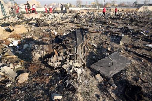 Vụ máy bay của Ukraine rơi tại Iran: Tìm thấy hộp đen thứ hai