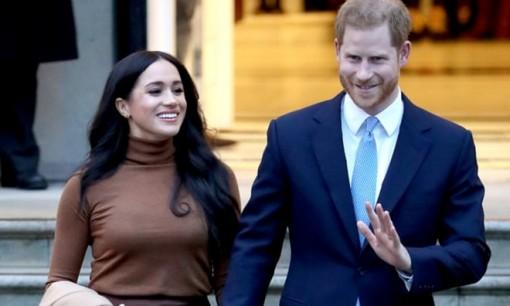 Vợ chồng Hoàng tử Harry tuyên bố rút khỏi hoàng gia Anh