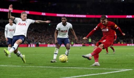 Firmino kết liễu Tottenham, Liverpool chạm 1 tay vào chức vô địch EPL