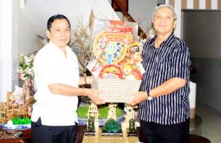 Thăm, tặng quà nhân dịp Tết Nguyên đán Canh Tý 2020