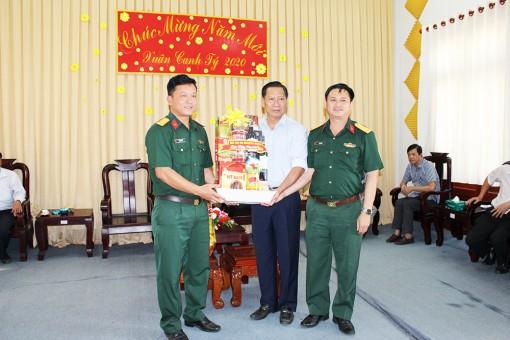 Phó Chủ tịch UBND tỉnh An Giang Trần Anh Thư thăm, chúc Tết tại huyện Thoại Sơn