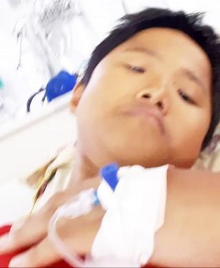 Bé trai 13 tuổi bị bệnh tim nguy hiểm cần được giúp đỡ