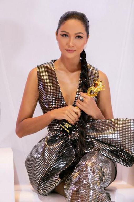 Hoa hậu H'Hen Niê được vinh danh là 'Mỹ nhân của năm'