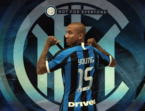 Ashley Young chia tay Man United, gia nhập Inter Milan