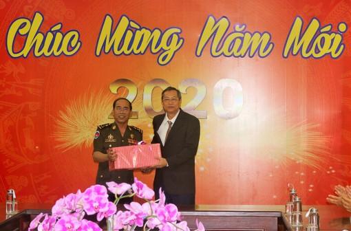 Bộ Tư lệnh Cảnh vệ Hoàng gia Campuchia chúc Tết chính quyền và nhân dân tỉnh An Giang