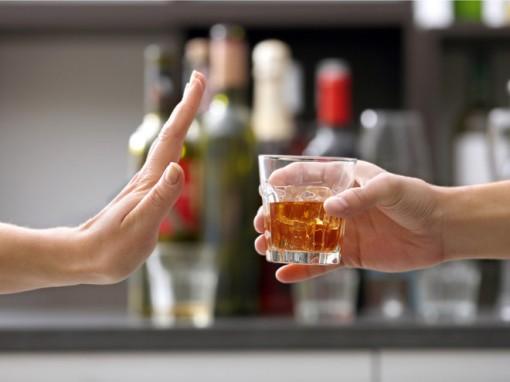 Cà phê, đường và rượu ảnh hưởng đến viêm khớp như thế nào?