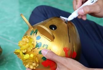 Dừa tạo hình chuột hút hàng dịp Tết