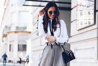 Phối váy tuyn dạo phố