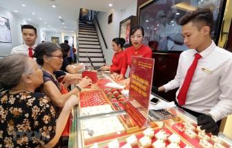 Giá vàng tại Việt Nam chạm ngưỡng 44 triệu đồng mỗi lượng