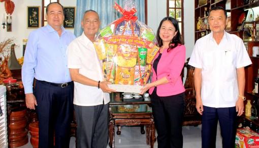 Lãnh đạo tỉnh An Giang thăm, chúc Tết các đồng chí nguyên Bí thư Tỉnh ủy