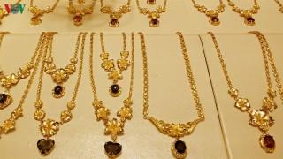 Giá vàng giảm đồng loạt những ngày cận Tết