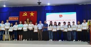 Phú Tân họp mặt sinh viên tiêu biểu nhân dịp Xuân mới